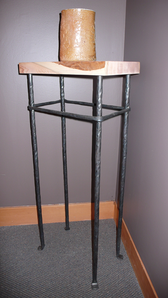 Display stand altility art studio for Fabrication stand